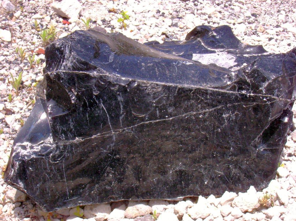 Obsidianbrocken der »Rocche Rosse«