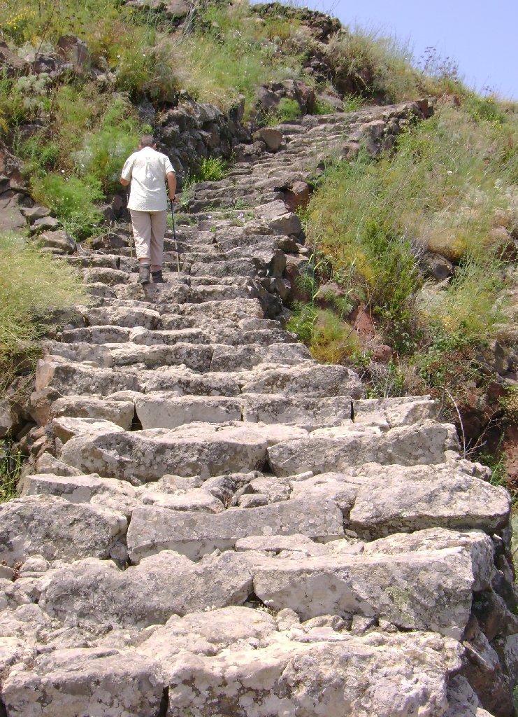 Typischer Treppenweg auf Alicudi