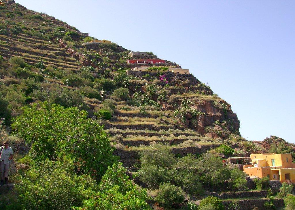 Häuser von Sgurbio auf Alicudi