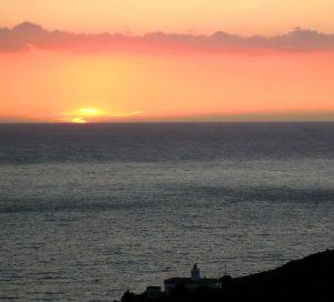 Sonnenuntergang beim Leuchtturm von Patresi